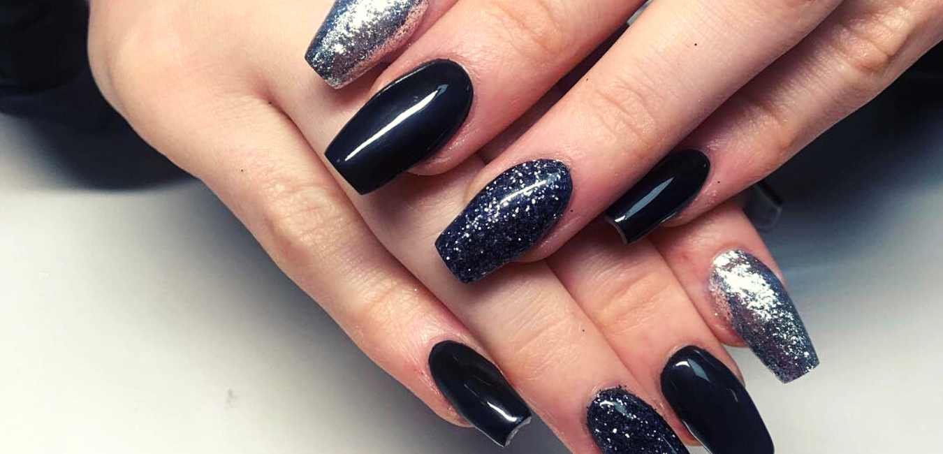 17 of the Most Gorgeous Black Glitter Nail Ideas